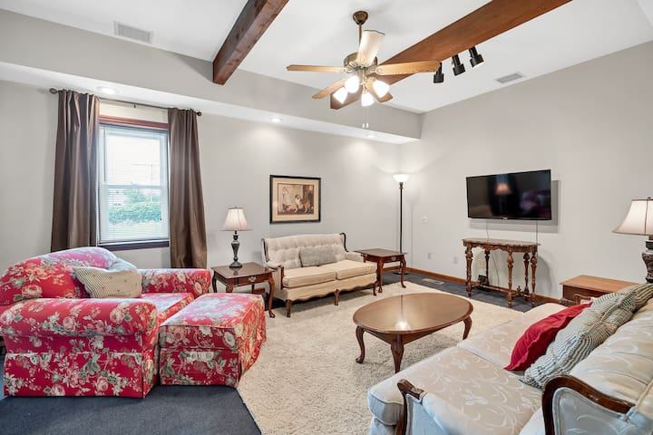 1 Bedroom Gray Summit Guest House - Pet Friendly
