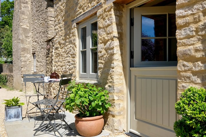 Cottage ideal for Oxford, Blenheim & the Cotswolds