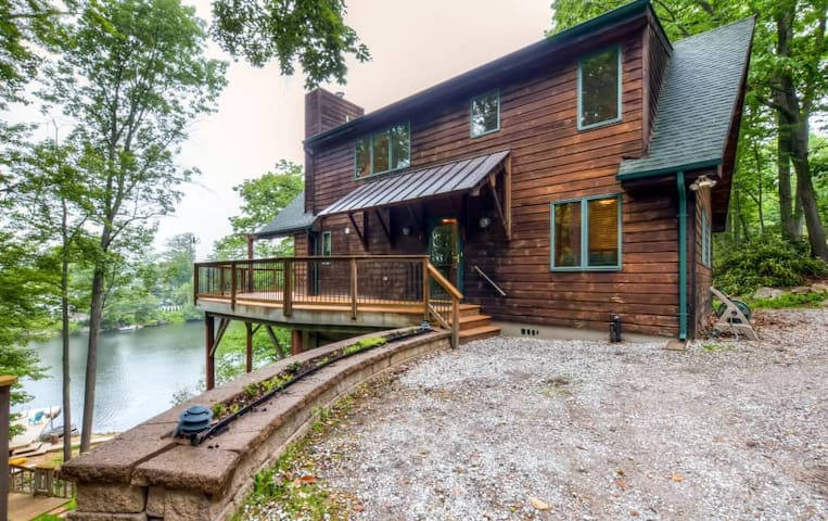 Lakeside 3BR Highland Lakes Home w/Private Dock - Vernon Township - Dům