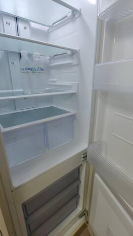 냉장고 refrigerator 생수준비해두었어요~^^ water