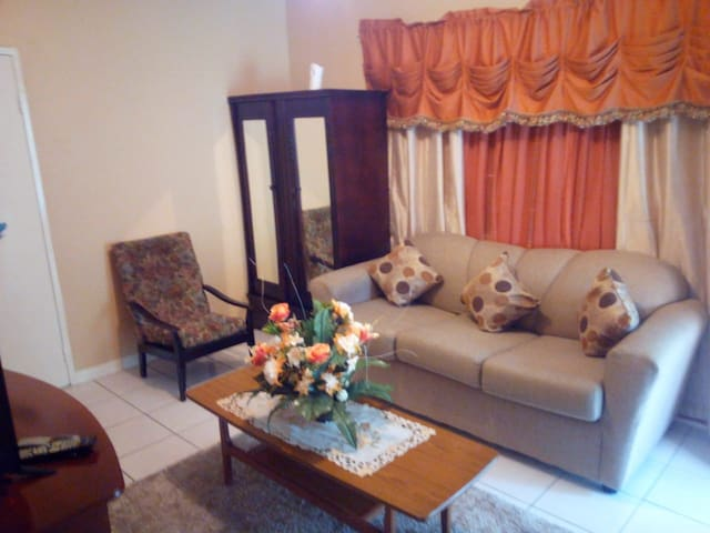 Comfortable Bungalow in Kingston, St. Andrew