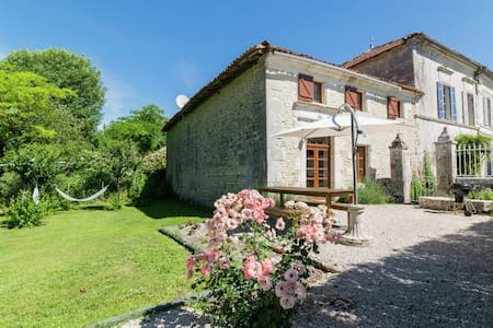 Vibrant Mansion in Champagnac with Private Pool