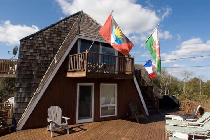 FI Beach House A/C 10 Man Hot Tub Large Deck WIFI