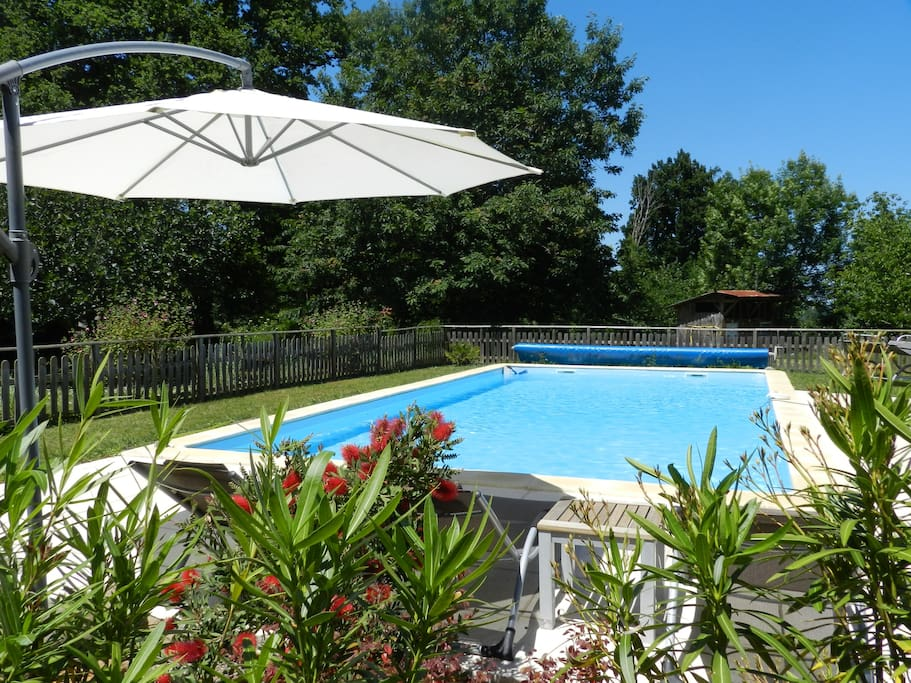 Solar heated Pool (mid May to mid October)