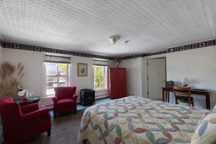 Maple Hill Farm Inn, Room 2 - Double Whirlpool Tub