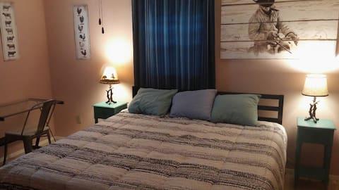 Rural Oasis: Cowboy's Private Room & Bathroom