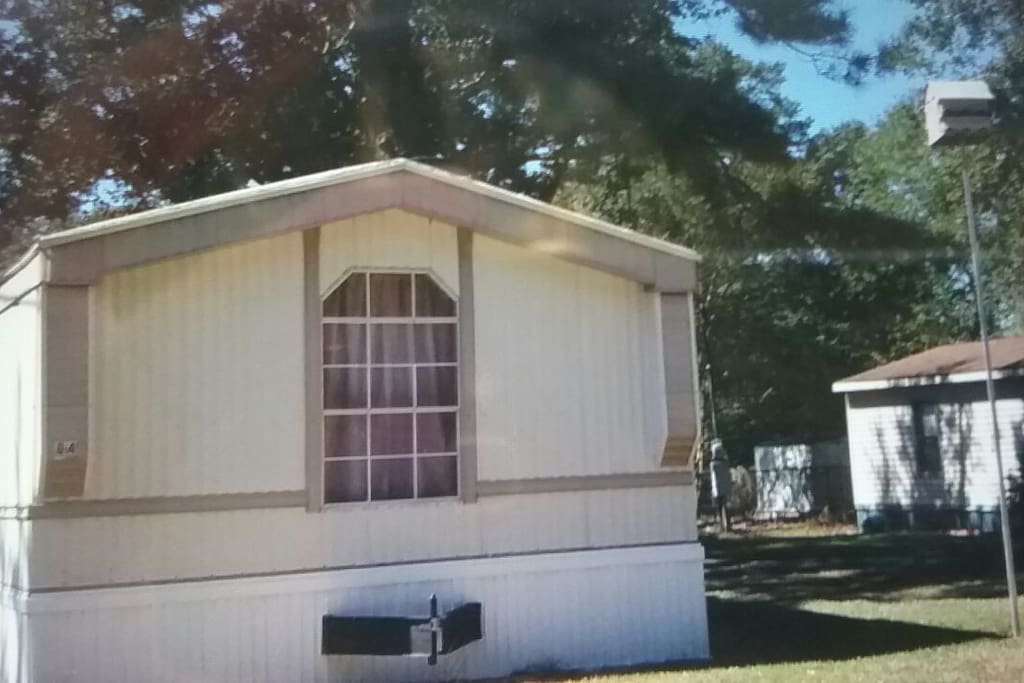 clean and neat 2 bedroom 2 bath mobile home fully furnished