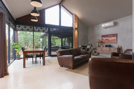 Modernised Character Home - Bassendean - Dom