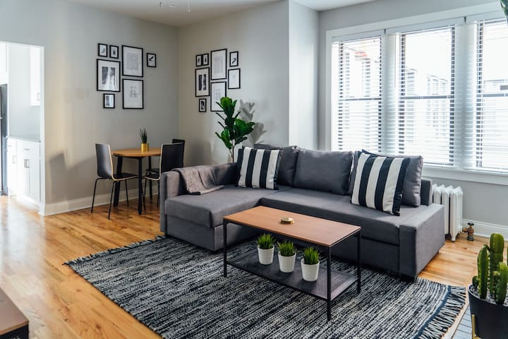 🏡$1950 MAY Specials! Well-Lit & Modern Decor 1BR