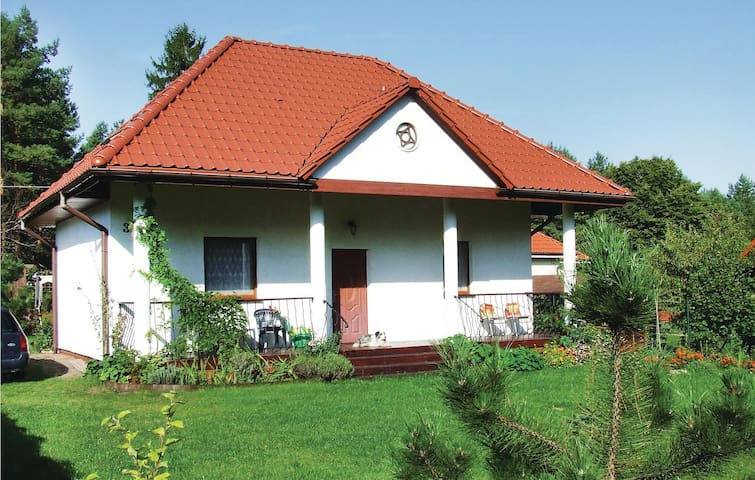 Holiday cottage with 2 bedrooms on 89 m² in Drezdenko