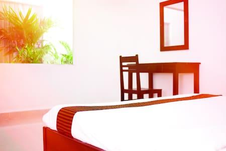 Private Aircon Room, Pool & Bar. C - Villa