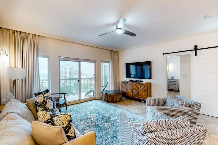 Renovated gulf view condo w/ beach access & resort pools, hot tub, tennis!