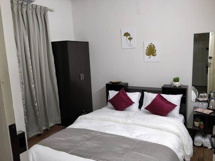 Beachside room near Miramar beach