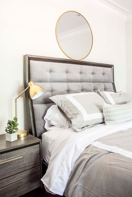 Cozy Bed w/ Brass Lamp!