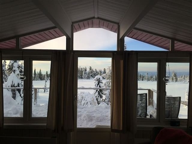 Spacious cabin in Sjusjoen with view - Sjusjøen - Houten huisje