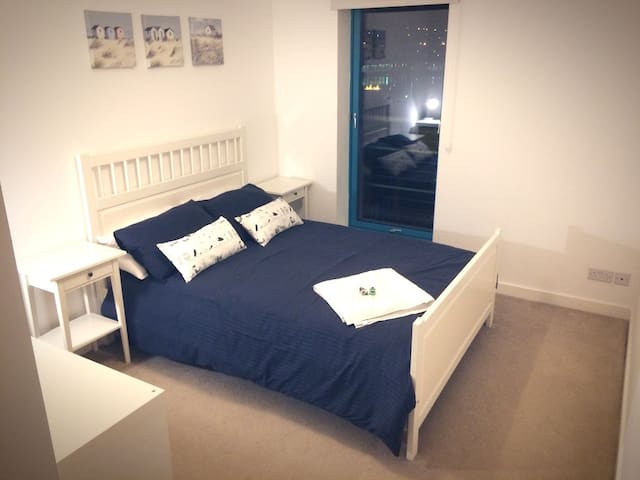 Modern Double Room on the City Quays - Dundee - Apartment