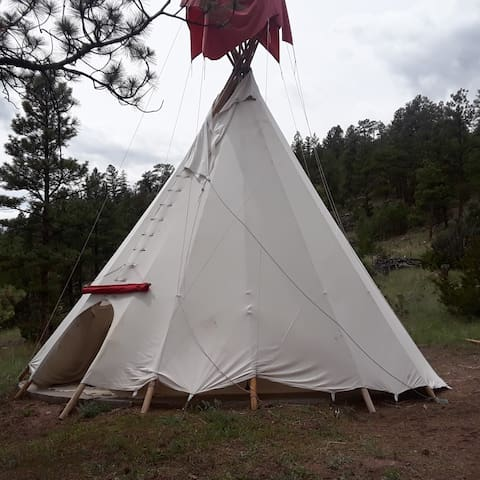 Gates of the Mountains Wilderness and Private Tipi