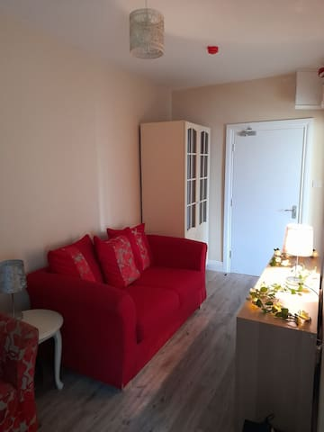 1 Bed Apt in Ballina town beside River Moy