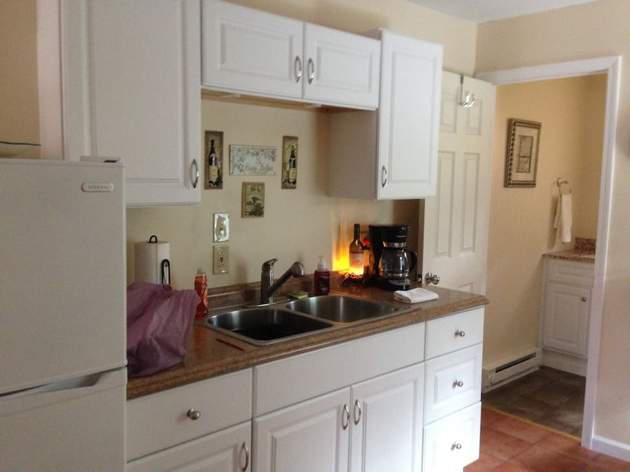 Partial kitchen with micro/convection oven