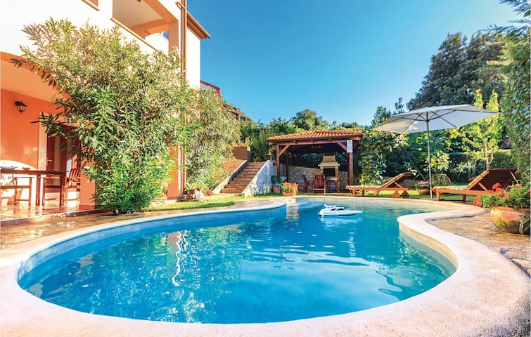 Holiday apartment 35 m² with pool