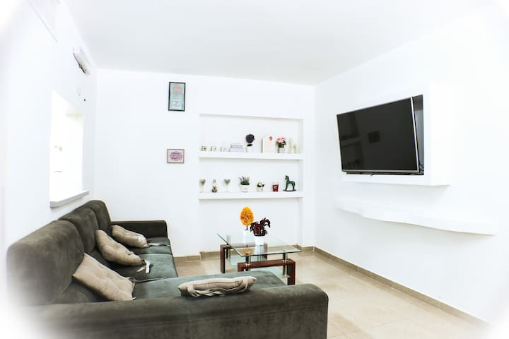 Beautiful Ground Floor Apartment Near The Red Sea.
