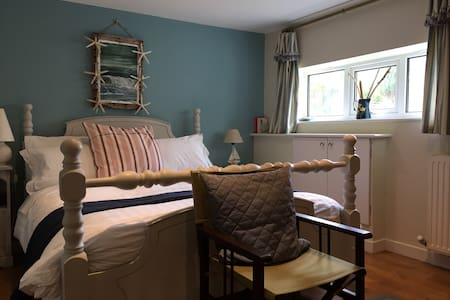 Lovely Craster seaside king bed - Bed & Breakfast