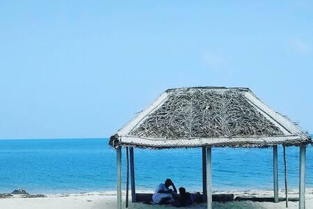 Silver Sands Beach Cottages - Queen
