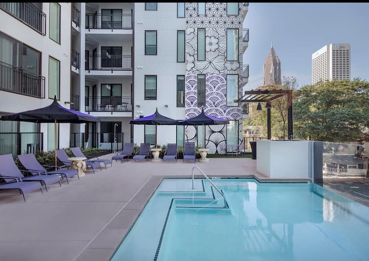 Luxurious Midtown Stay/ Entire Apt