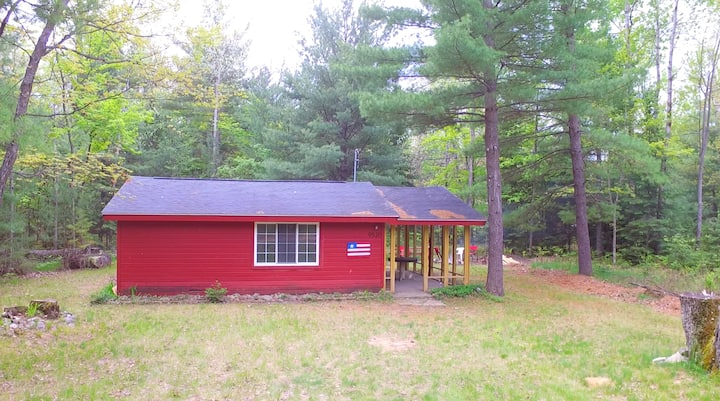 Red Cabin Wooded lot near Lk St Helen/ORV trails