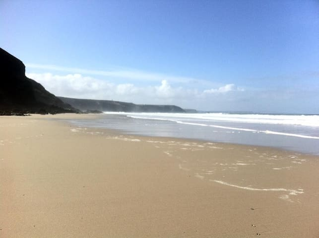 Double room  in Cliff Top House, walk to beach - Porthtowan - Casa
