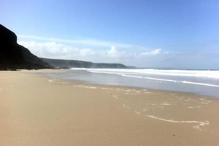Double room  in Cliff Top House, walk to beach - Porthtowan - House - 0