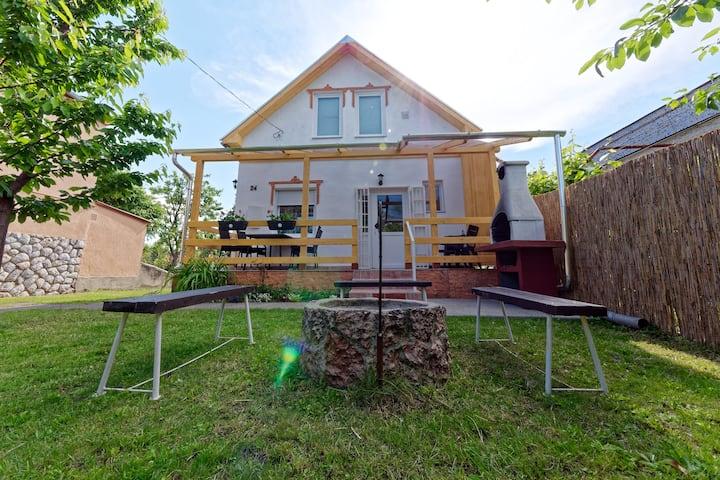 Zsóryka Apartman, Mezőkövesd, Zsóry Spa and Bath
