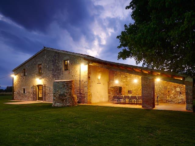 Masia independiente en entorno tranquilo - Cassà de la Selva - Villa