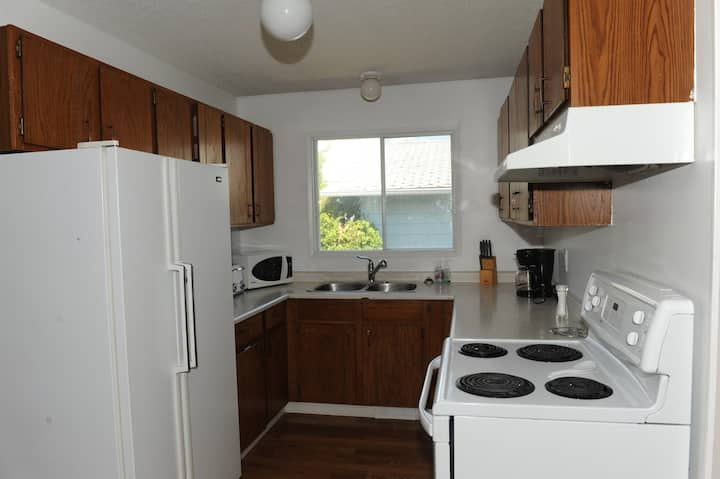 Southside 5 bed 2 bath to enjoy while visiting G.P