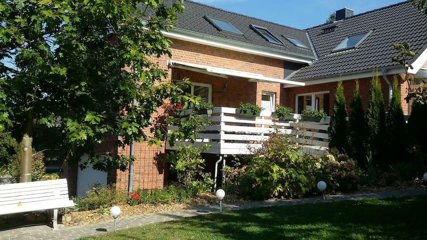 Gemütliche ruhige Ferienwohnung - Bad Segeberg - Guesthouse