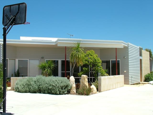 Peron Petit at island point - Jurien Bay - Rumah