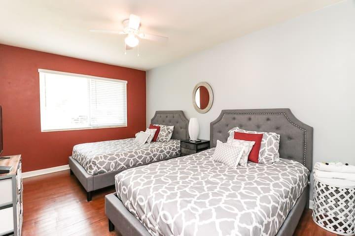 Left View of Guest Bedroom 1