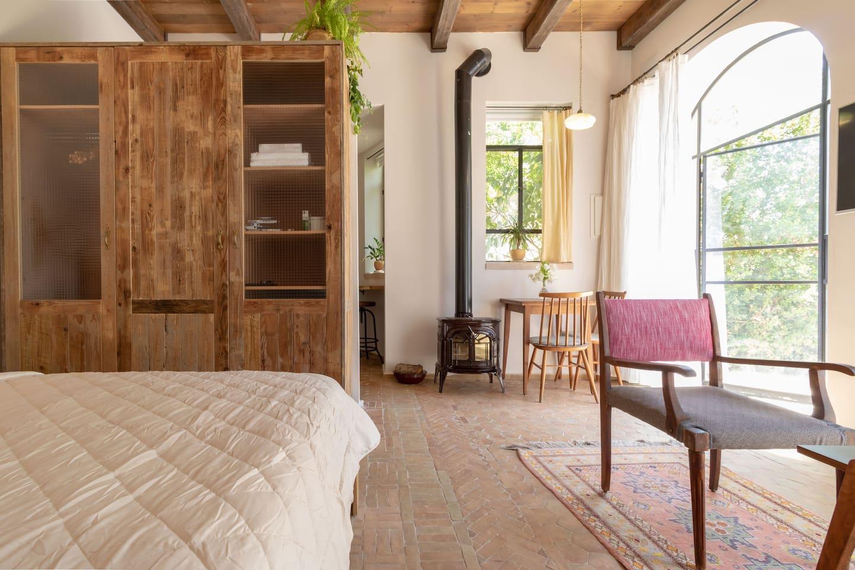 GLORIOUS GARDEN STUDIO SUITE - Apartments for Rent in Jerusalem ...
