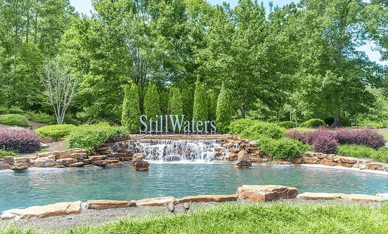"""Lake Martin/Stillwaters  """"La Dolce Vita Villa"""""""