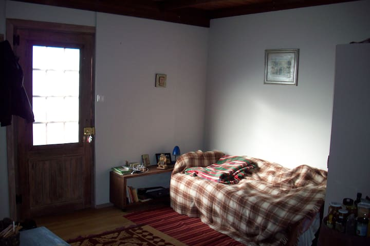 Small independent room in Konitsa - Konitsa - Byt