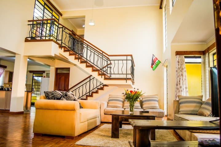 I-PRIVATE ROOM IN DUPLEX PENTHOUSE - Nairobi - Apartment