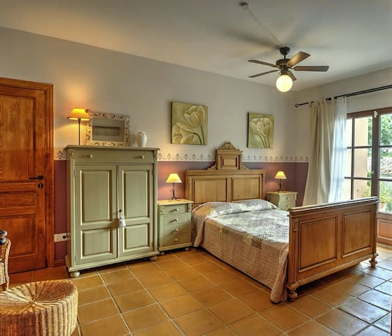 Finca Sonipes - Cervera del Maestrat - Bed & Breakfast