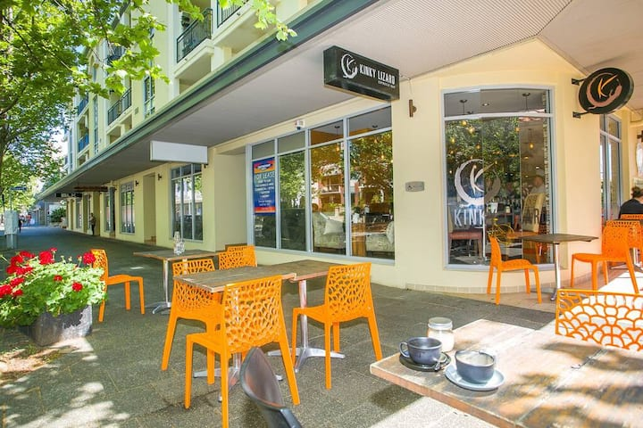 Large One Bed in the Heart of East Perth