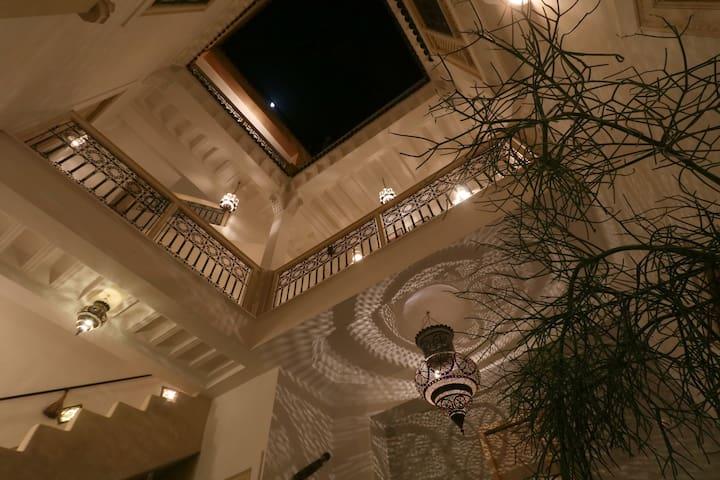 BEAUTIFUL PRIVATE RIAD POOL TERRACE WIFI MEDINA - Marrakesh - Casa
