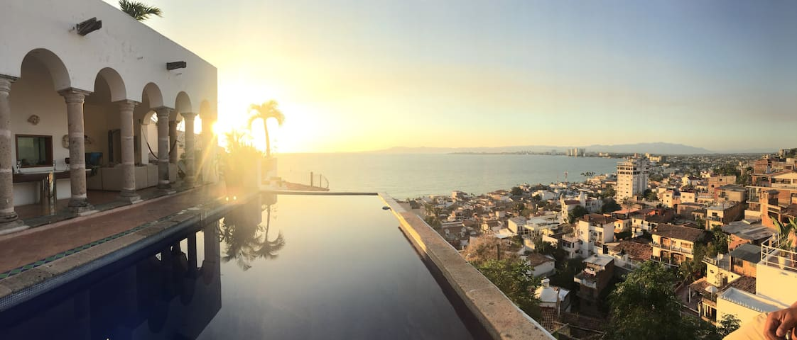 RELAX WITH D MOST INCREDIBLE VIEW OF PTO VALLARTA - Puerto Vallarta - Villa
