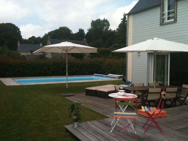 Très jolie maison avec piscine au bord de la Rance - Plouër-sur-Rance - Tatil evi