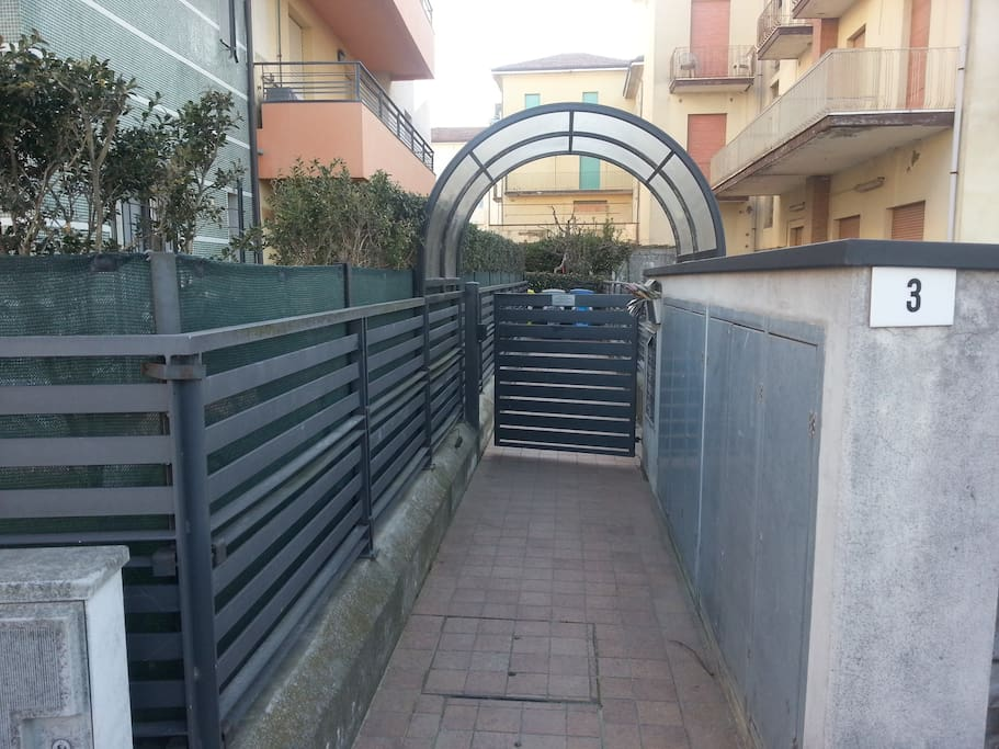 View of the gate to the building where this apartament is