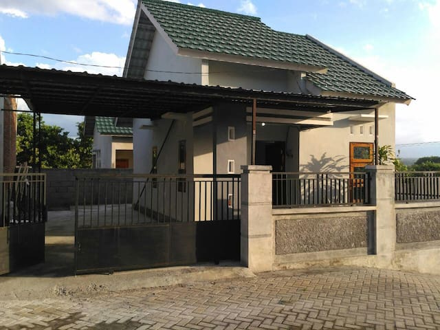 Full Private House with carpot for your adventure - Sumbawa Besar - บ้าน