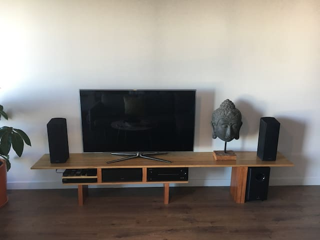 Connect your device to the Onkyo surround sound
