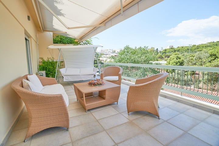 Pristine penthouse with spacious balcony & view